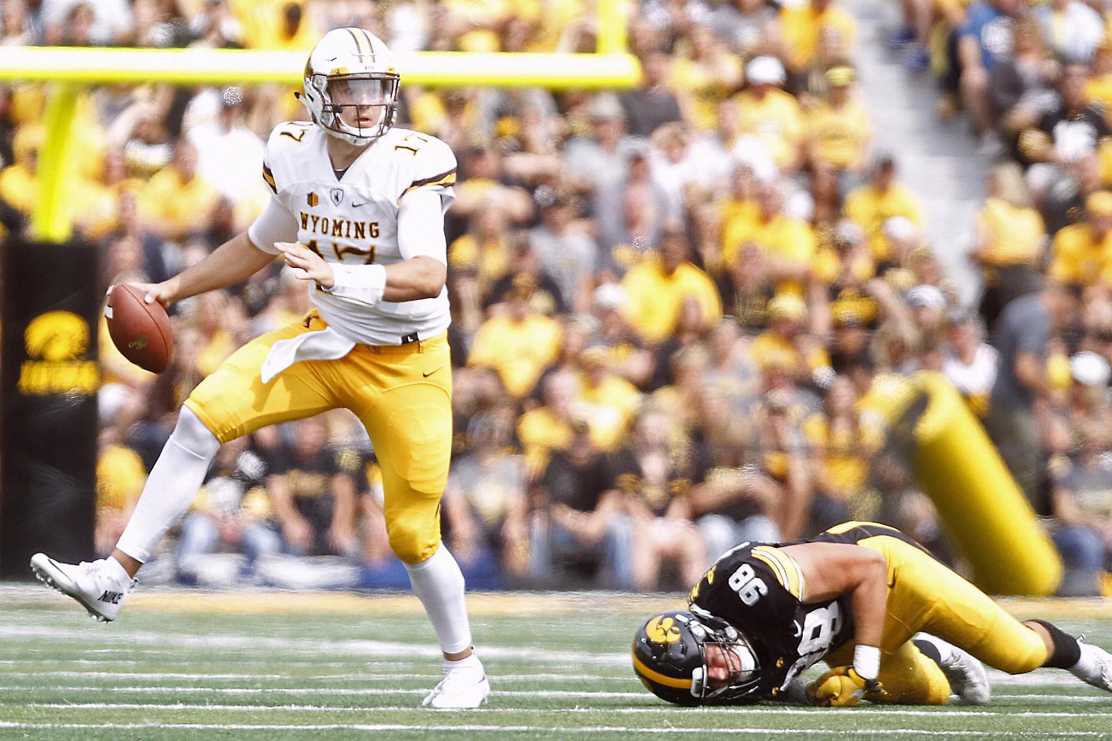 Josh Allen, Wyoming Football, Wyo, UW, Cowboys, College Football, 2017