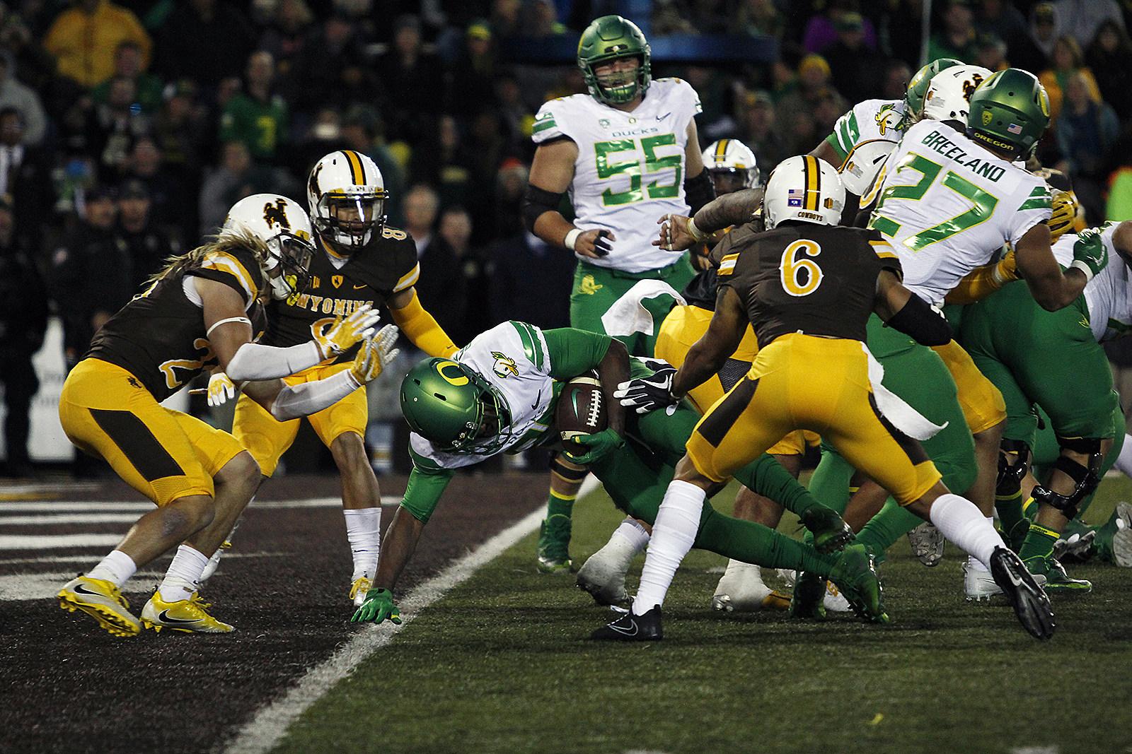Oregon Ducks, TD, Wyoming Cowboys, Football, UW, WYO, 2017